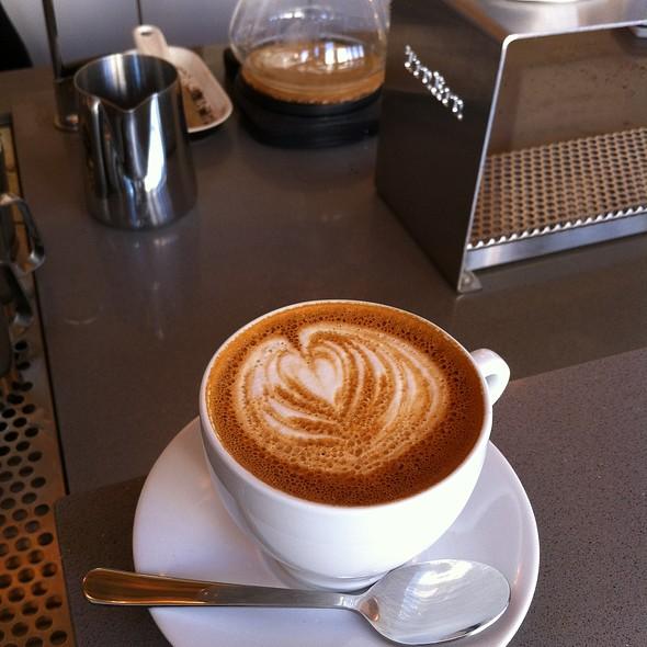 Cappuccino @ Ultimo Coffee