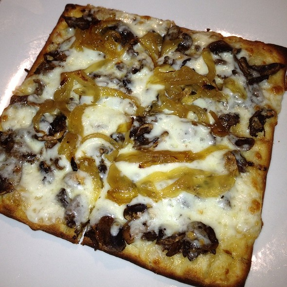 Mushroom Flatbread @ District Bar & Grill