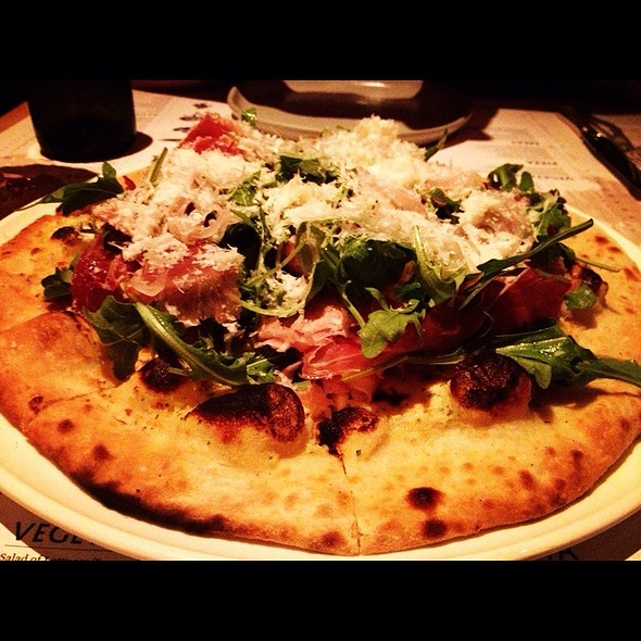 Ham O' Day Pizza @ The Pass And Provisions