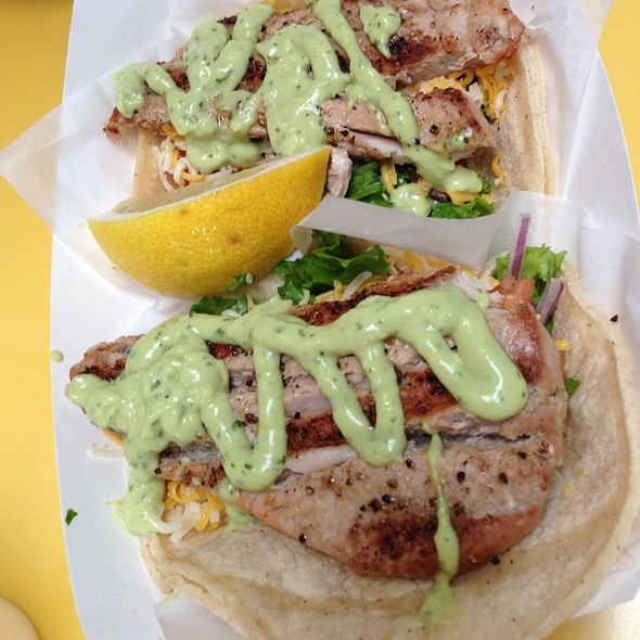 Ahi Tuna Tacos @ Splash Cafe