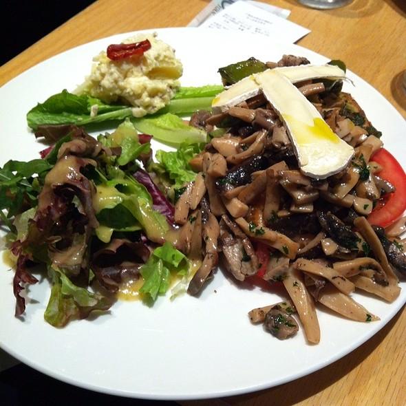 Roasted Vegetable Tartine @ SunFlour