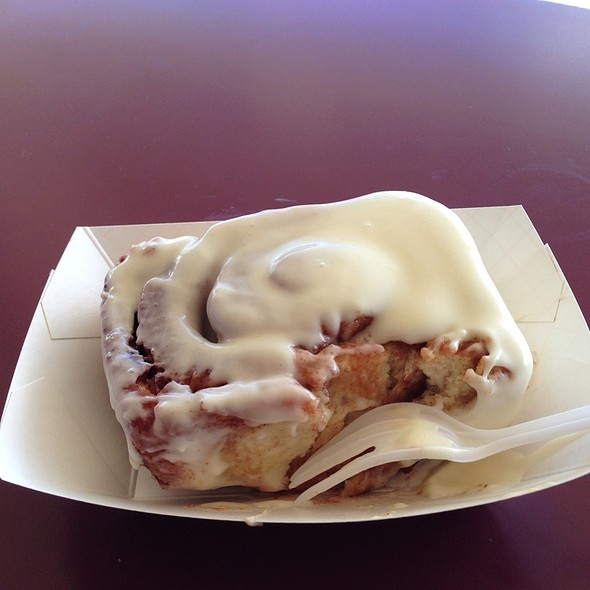 Cinnamon Roll With Cream Cheese @ Old West Cinnamon Rolls