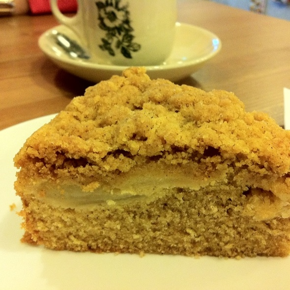 Apple Crumble Cake @ Old School Delights