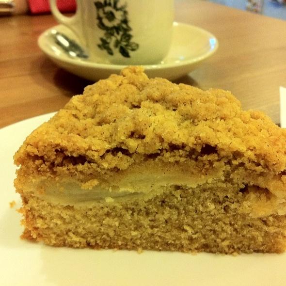 Apple Crumble Cake @ Old School Delights