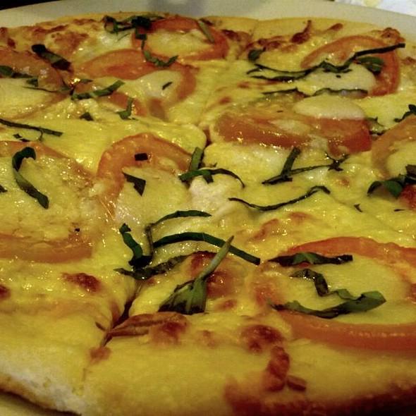 Five Cheese & Fresh Tomato Pizza