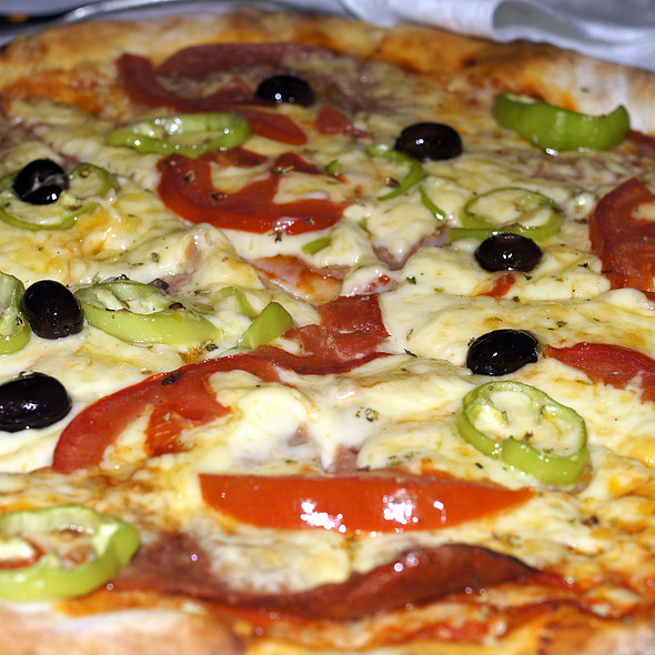 Pica Speciale @ Bar Keshtjella Restorant