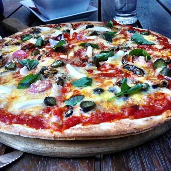 seafood pizza @ Wine Loft