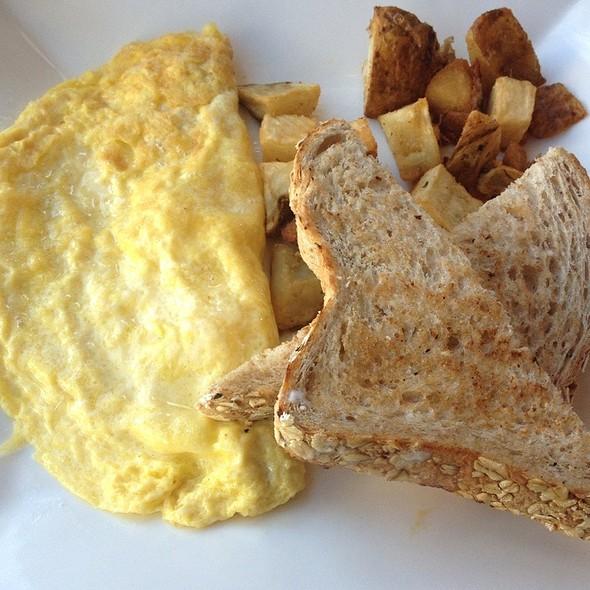 Omelette - Nob Hill Grille, San Francisco, CA