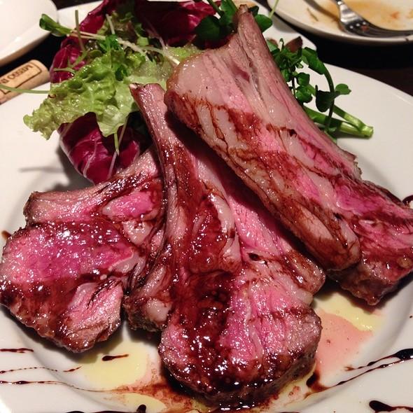 Roasted Lamb Chops @ ヴィノシティ
