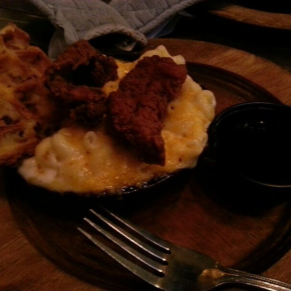 Chicken and Waffles @ Jus Mac