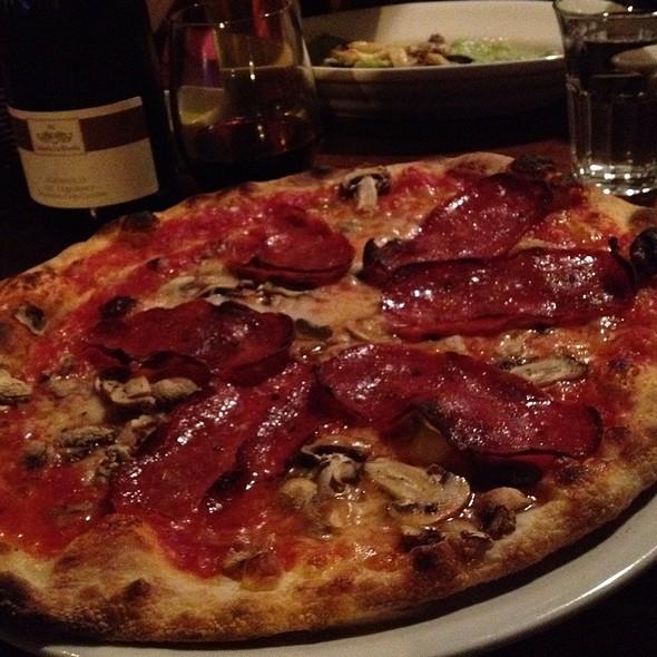 San Giorgio Pizza - Terroni - Queen, Toronto, ON
