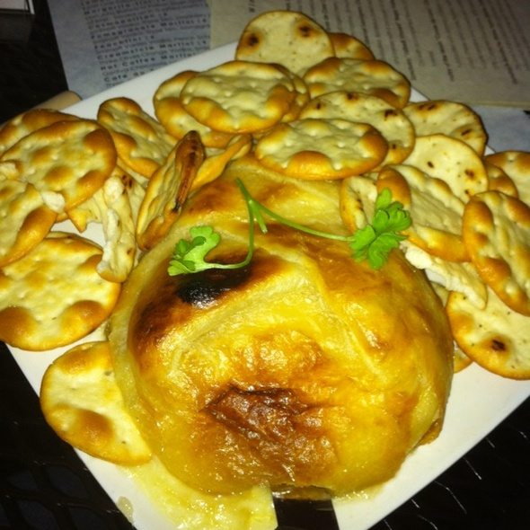 Baked Brie @ Wine Tap