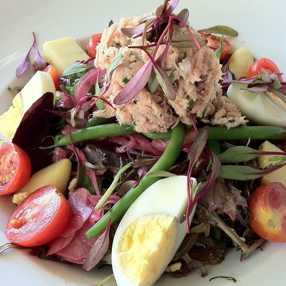 Salad Nicoise - Maison Giraud, Pacific Palisades, CA