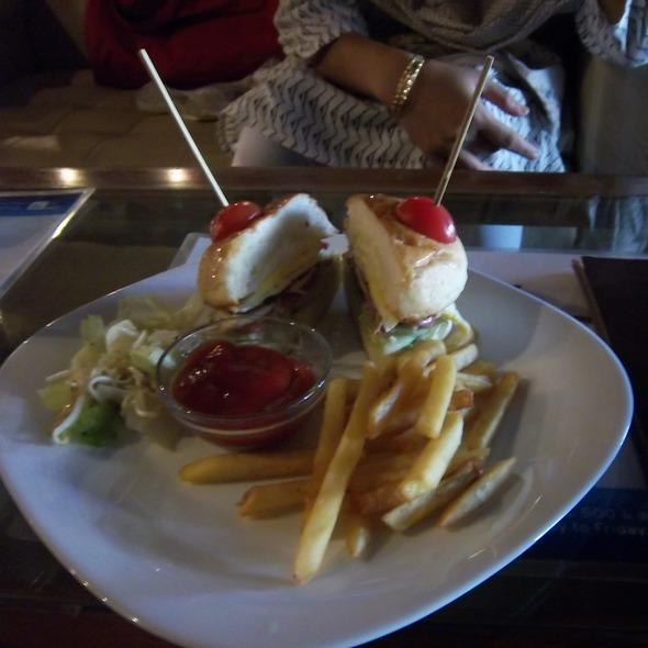Chicken Burger @ Brun Cafe