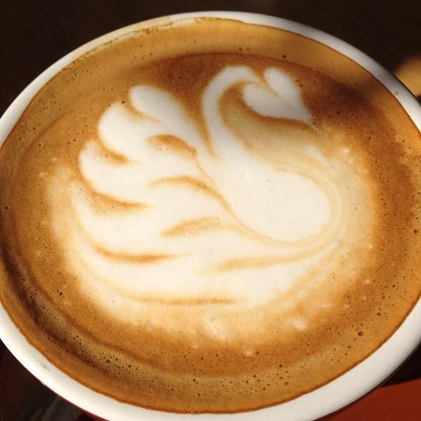 Cappuccino @ Simon's Too