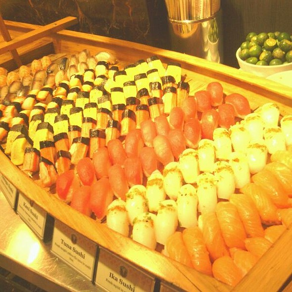 Sushi @ Vikings Luxury Buffet