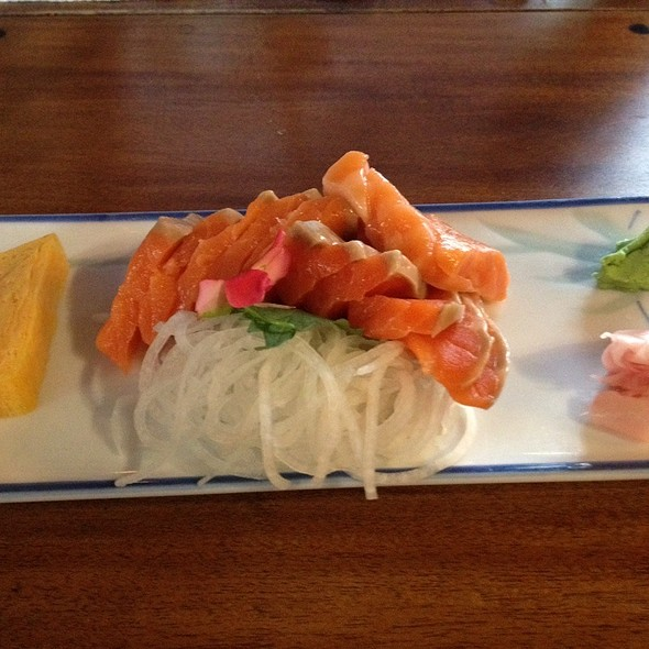 Salmon Sashimi With Tamago