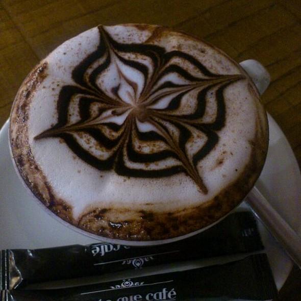 Capuccino @ Mas Que Café