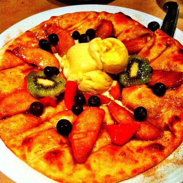 Apple Crisp Pizza @ Epic Casual Dining