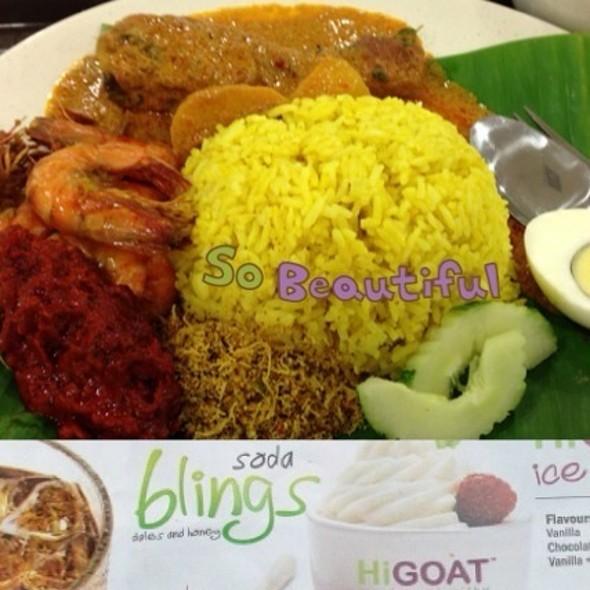 Nasi Kuning Special @ Bangunan Medan Mara