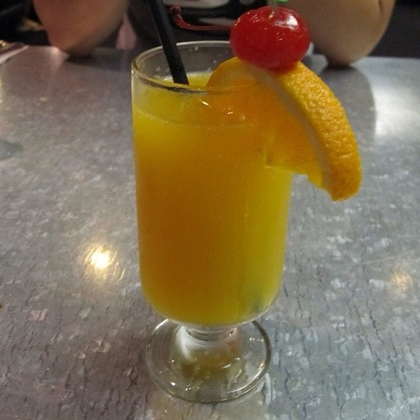 Fresh-squeezed Carrot and Orange Juice @ Hash House A Go Go