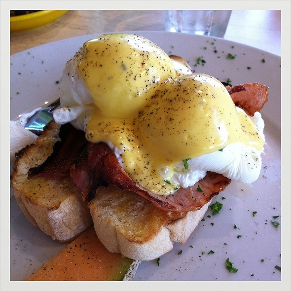 Eggs Benedict @ Scuzi Cafe