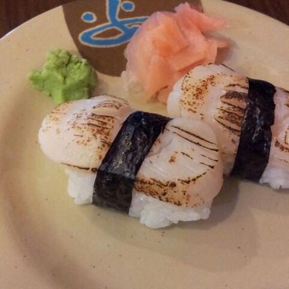 Aburi Scallop Sushi @ Kazuki