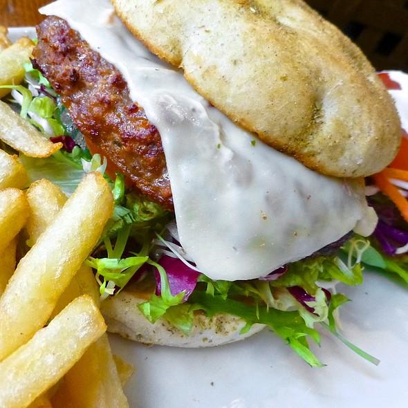 Hamburger Deluxe @ Brasserie La Royale