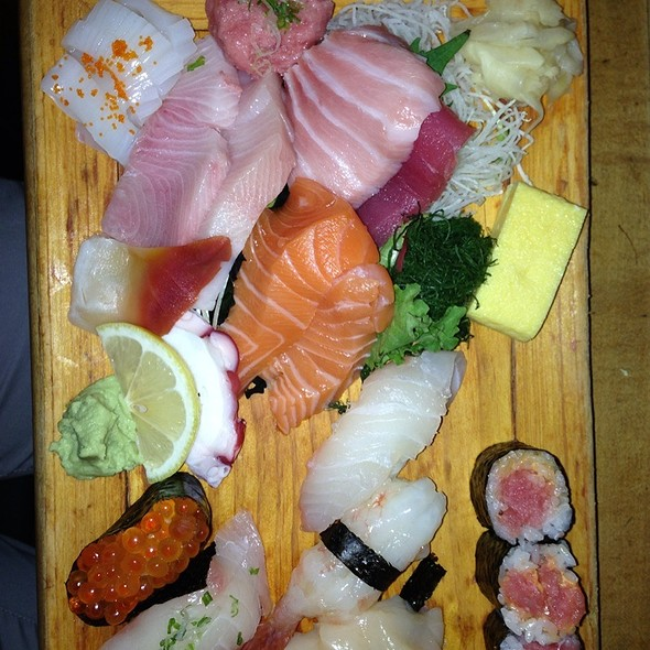 Sushi and Sashimi @ Tomoe Sushi