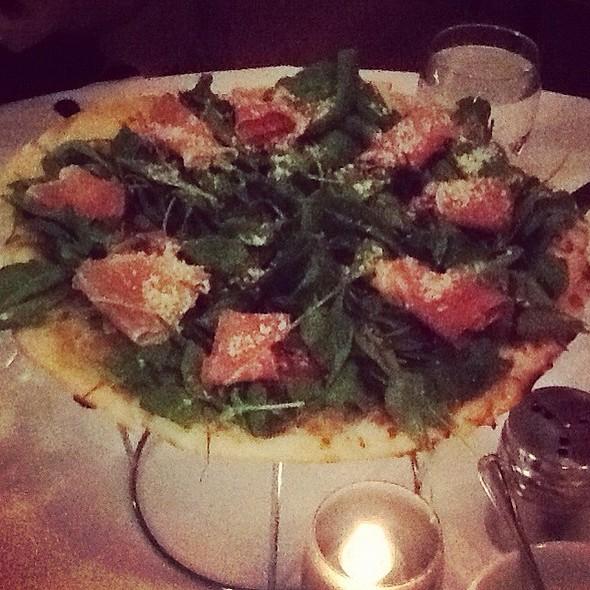 Nonstop Honolulu Pizza @ Il Lupino Trattoria & Wine Bar