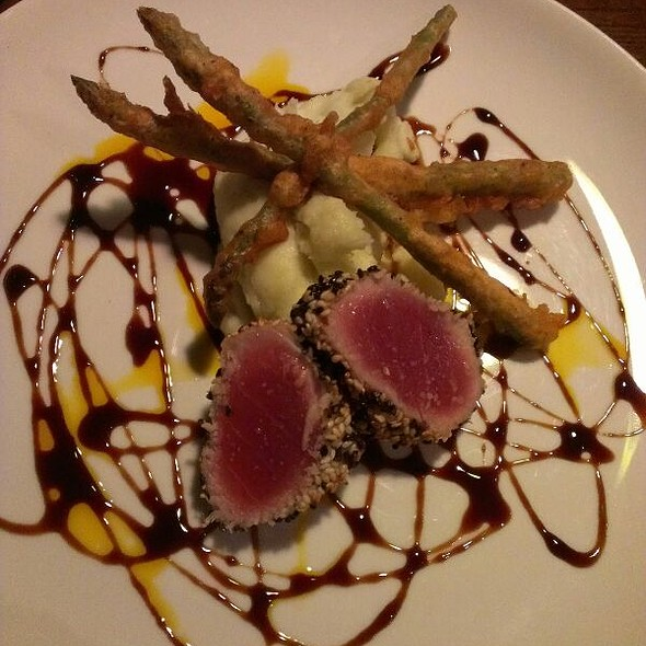 Sesame Seared Ahi Tuna  - Tannin Wine Bar and Kitchen, Kansas City, MO
