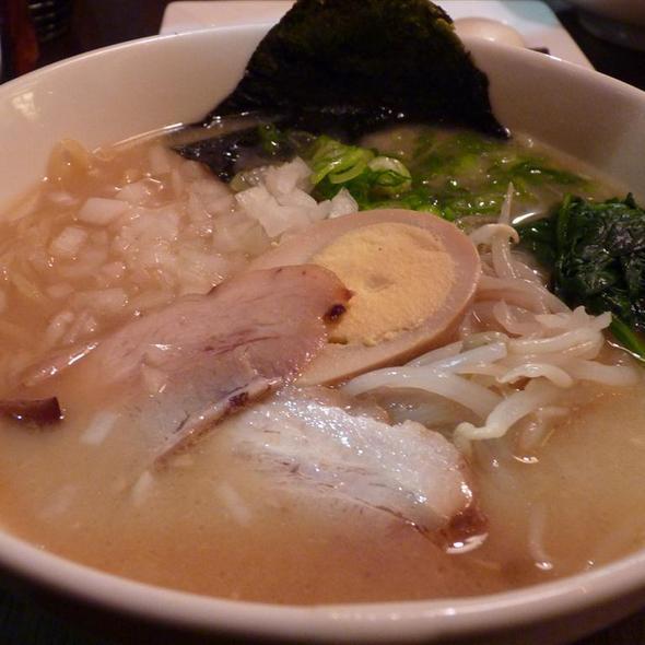 Hakata Tonkotsu Ramen @ Hide-Chan Ramen