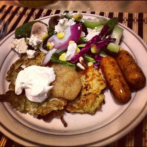 Potato , mixed green with Italian dressing, apple & maple chicken . @ Bosworth Bodega