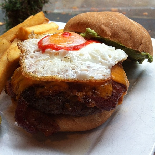 The Red Eye Burger - Catch 122 Cafe & Bistro, Vancouver, BC