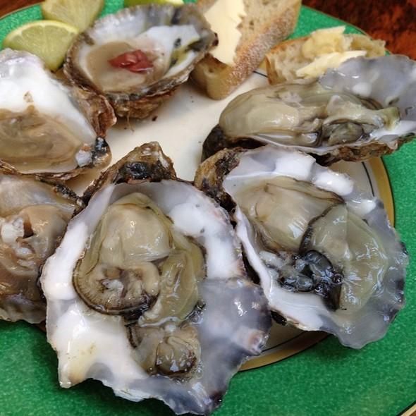 Colchester Oysters @ Columbia Road Flower Market