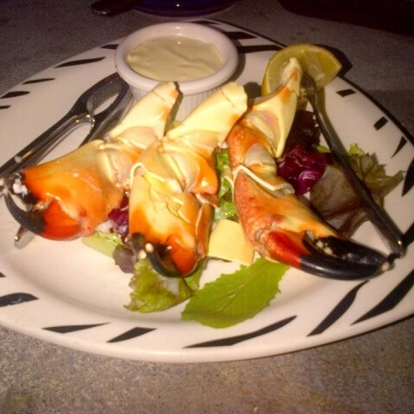 Florida Stone Crabs - Blue Pointe Oyster Bar & Seafood Grill - Ft. Myers, Fort Myers, FL