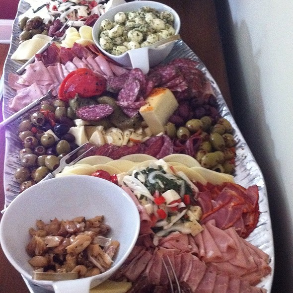 Thanksgiving Auntie Pasto @ Hollys Eventful Dining