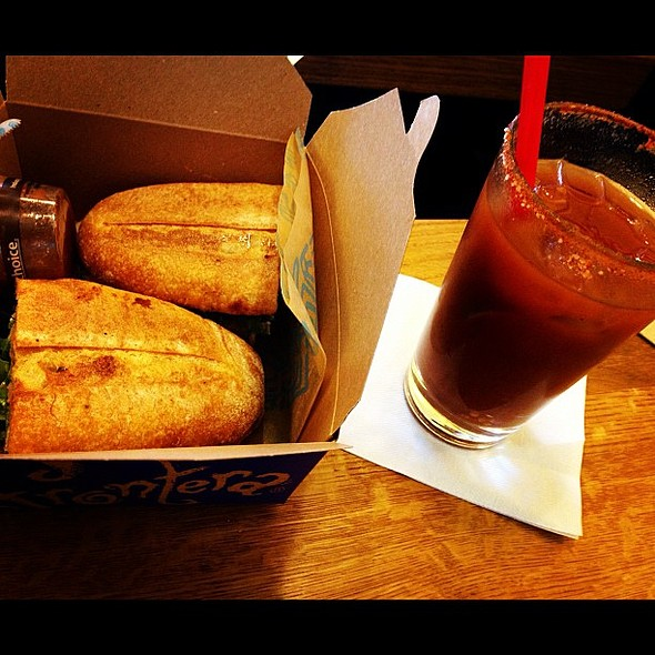 it's a love/hate relationship I have with tortas frontera/ohare delays. @ Tortas Frontera