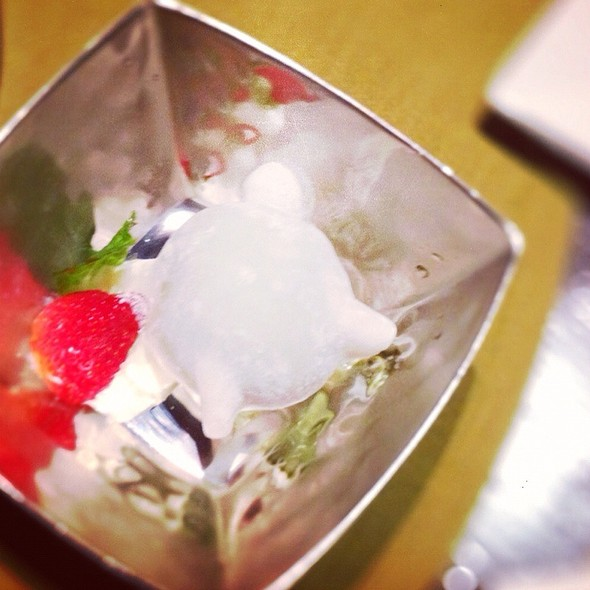 Vanilla Icecream @ Tomo Japanese Resturant