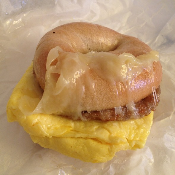 Plain Bagel With Egg And Sausage