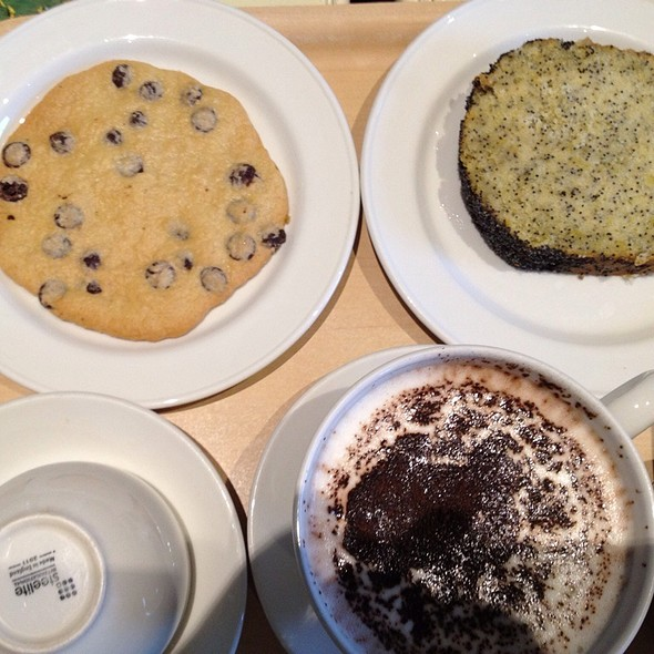 Spelt #Dairy-Free Cookie & Lemon Cake @ The Happy Pear