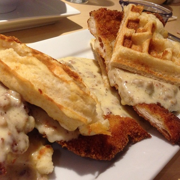 Fried Chicken and Waffles @ Hotel FIVE Seattle