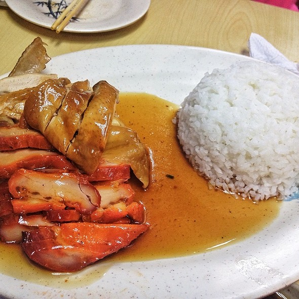 Asado with Soy Chicken Rice @ Wai Ying