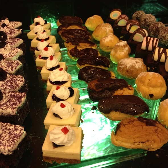 Assorted Desserts & Pastries @ Sambo Kojin