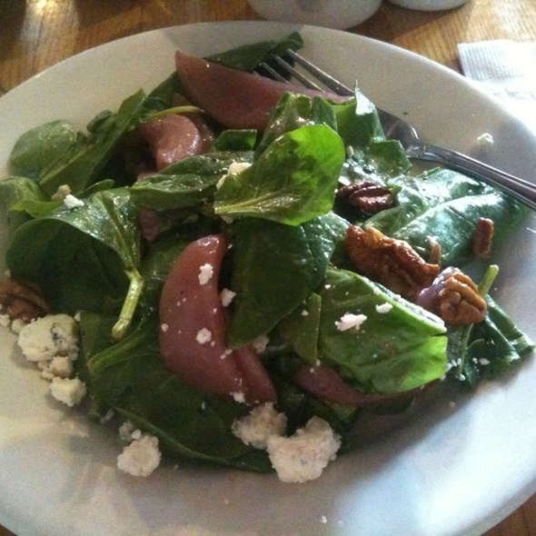 Spinach salad with poached pears, pecans & gorgonzola cheese @ Sette Restaurant