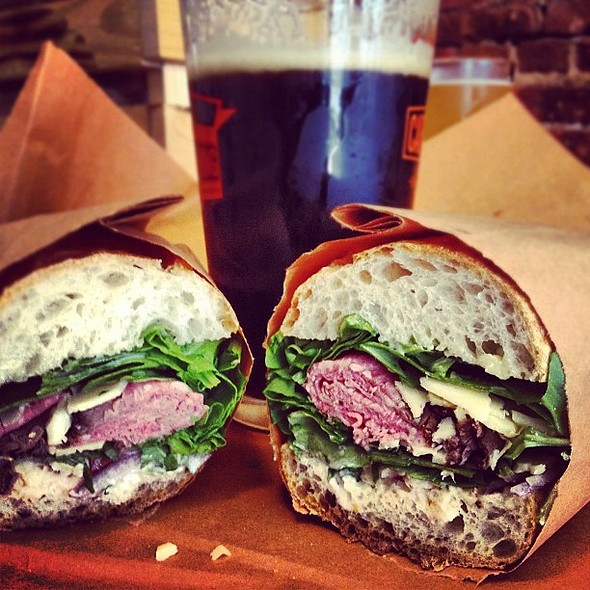 Roast beef sandwich w/ There Will Be Black @Bierkraft @ Bierkraft