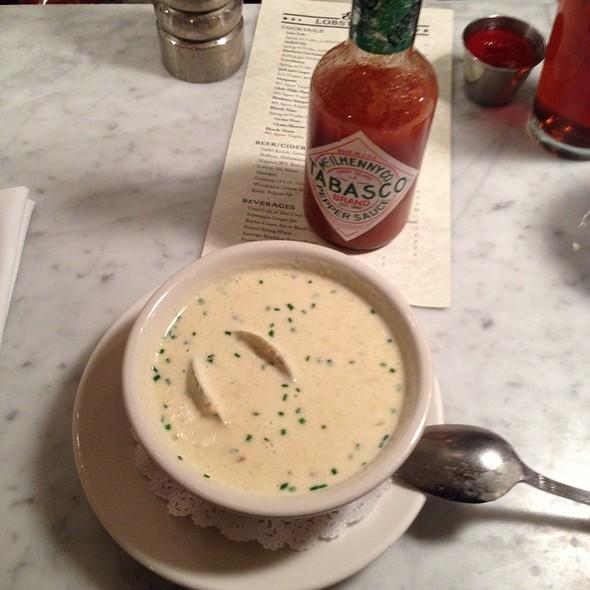 New England Clam Chowder @ Ed's Lobster Bar