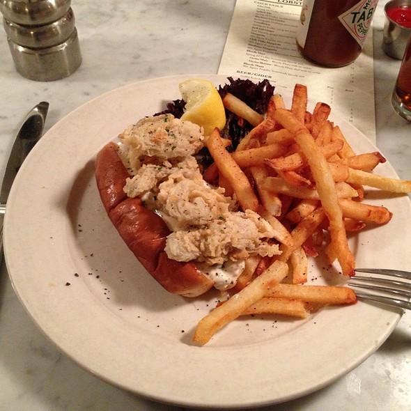 Fried Ipswich Clam Sandwich @ Ed's Lobster Bar