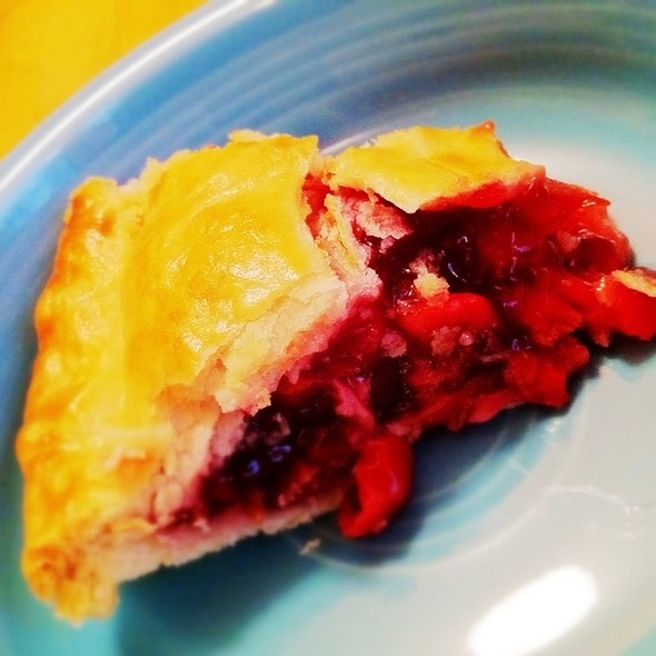 Cherry Pie @ MacKenzies Cafe & Bakery