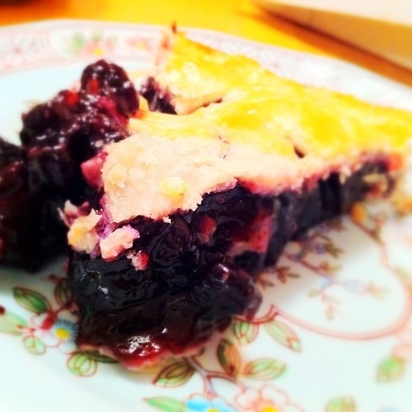 Blueberry Pie @ MacKenzies Cafe & Bakery